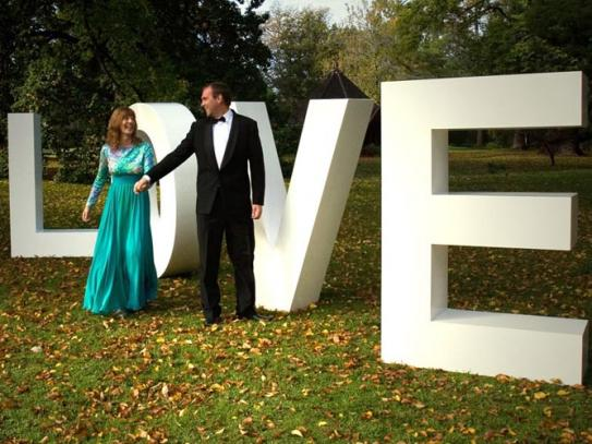 wedding-decoration-lettering-royalfoam_preview
